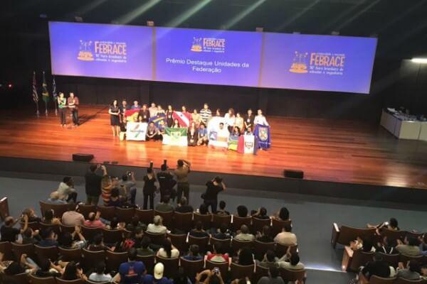 Jovens de São Paulo são premiados na maior feira de Ciências e Engenharia do país