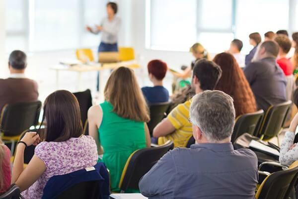 Francisco Marto de Moura ministra aula sobre pontuação