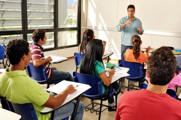 Pós-graduação Docência no Ensino Superior prepara educadores para os desafios da área na era digital