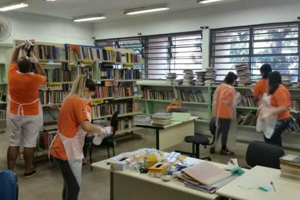 Voluntários iniciam revitalização de escola na Zona Leste