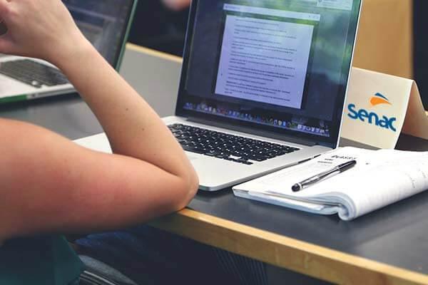 Senac EAD lança novos cursos livres para quem deseja turbinar o currículo nas férias