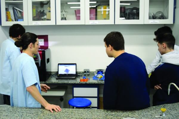 Escola Santa Marina adquire equipamento 3D