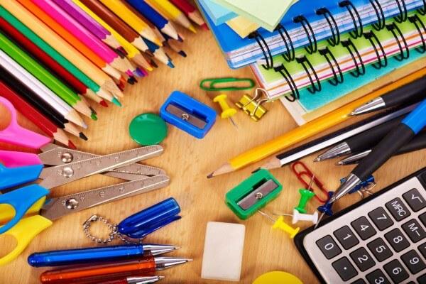 Escolas deverão disponibilizar lista de material escolar 5 meses antes do início das aulas