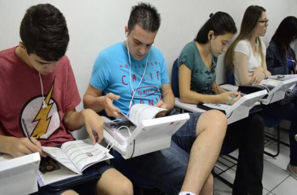 Aprender uma nova língua é um dos principais requisitos do mercado de trabalho