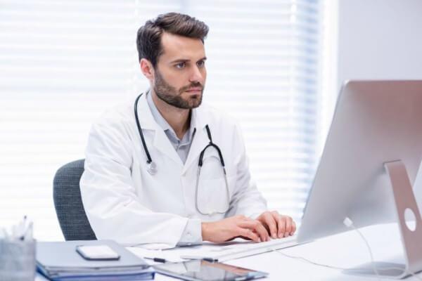 Instituto lança curso online para médicos - Educageral