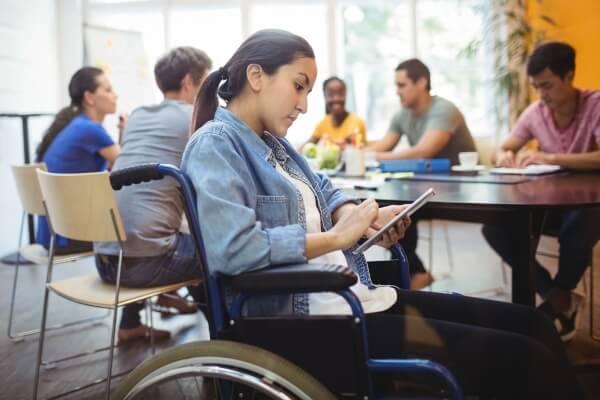 Alunos com deficiência ainda são 0,5% no ensino superior - Educageral