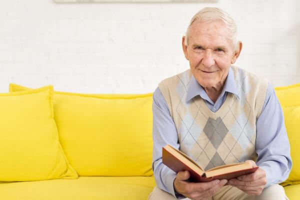 Clube de Leitura estimula hábito de entretenimento entre idosos - Educageral