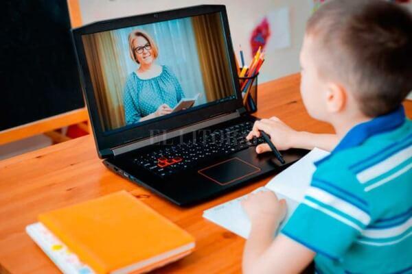 Aulas online impactam desenvolvimento de crianças e adolescentes - Educageral